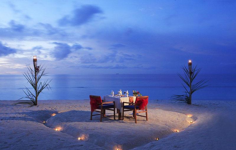 Best Romantic Sunset Dinner In Bali